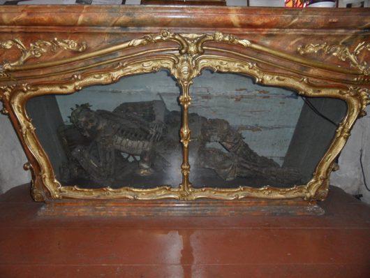 Barokní sarkofág s ostatky sv. Vitalise